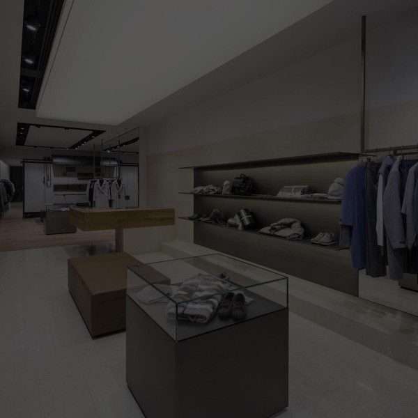 Arredamenti per negozi geg arreda for Fi ma arredamenti srl